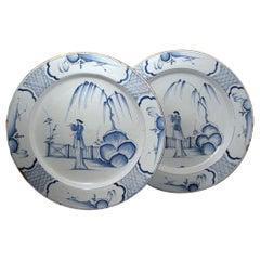 Paar von englischen blau weißen Delfter Keramik Ladegeräte, Mitte des 18. Jahrhunderts
