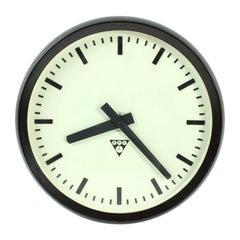 Czechoslovakian Bakelite Clock PV 301 from Pragotron, 1984