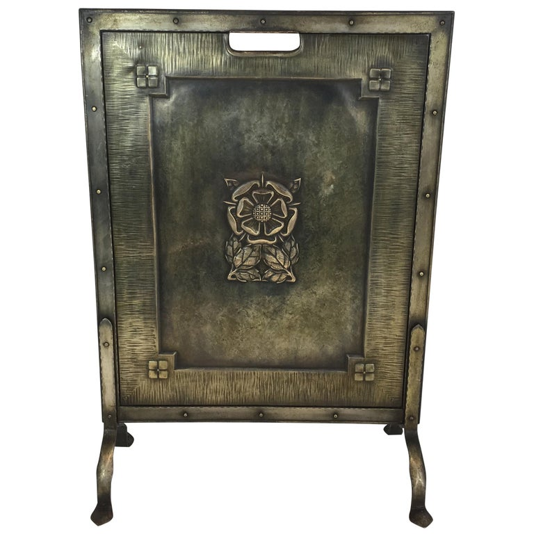 Arts & Crafts Brass and Iron Fire Place Screen, circa 1900 For Sale