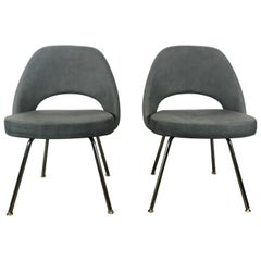 Pair of Eero Saarinen for Knoll, Custom Ostrich Leather Executive Side Chairs