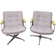 Paar Artifort Design Drehsessel von Geoffrey Harcourt