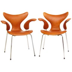 Two 1970s Seagull Chairs in Leather by Arne Jacobsen for Fritz Hansen