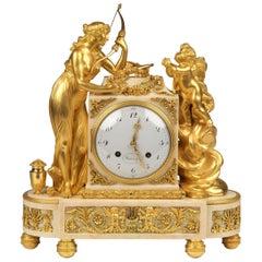 Louis XVI vergoldete Bronze und weißen Marmor Quartal markante Uhr von Meuron