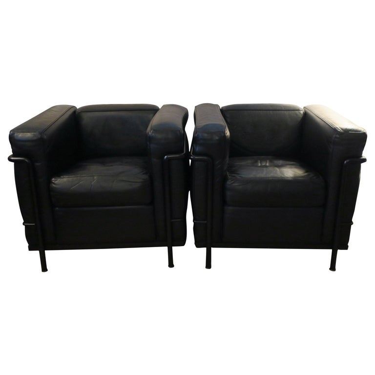 Pair Le Corbusier LC2 Black Leather Chairs by Cassina For Sale at ...