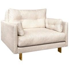 Malibu Lounge Chair in Pearl Bouclé