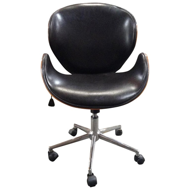 Astounding Leather Swan Swivel Office Chair At 1Stdibs Bralicious Painted Fabric Chair Ideas Braliciousco