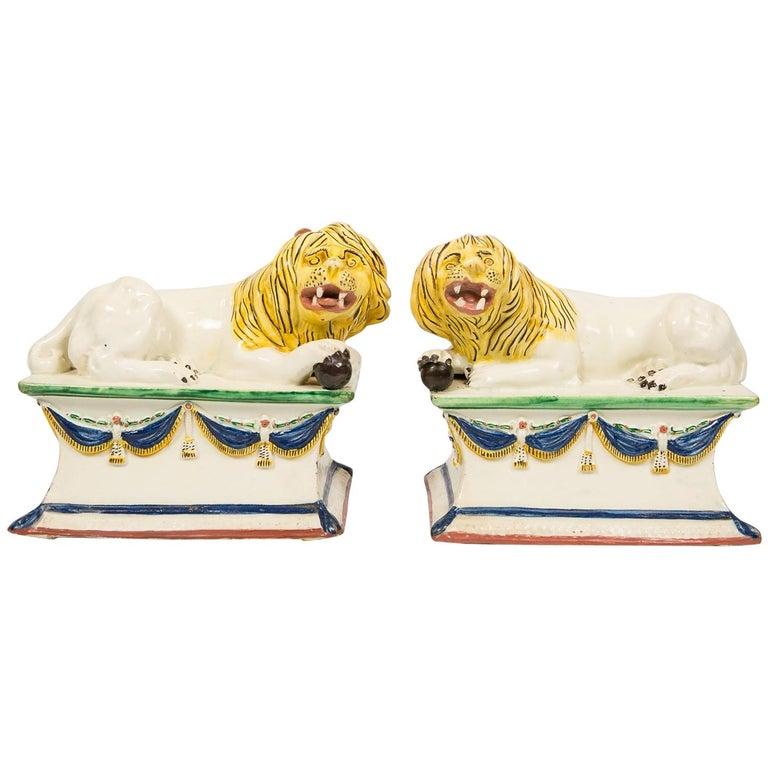 Antique French Creamware Lions 18th Century For Sale