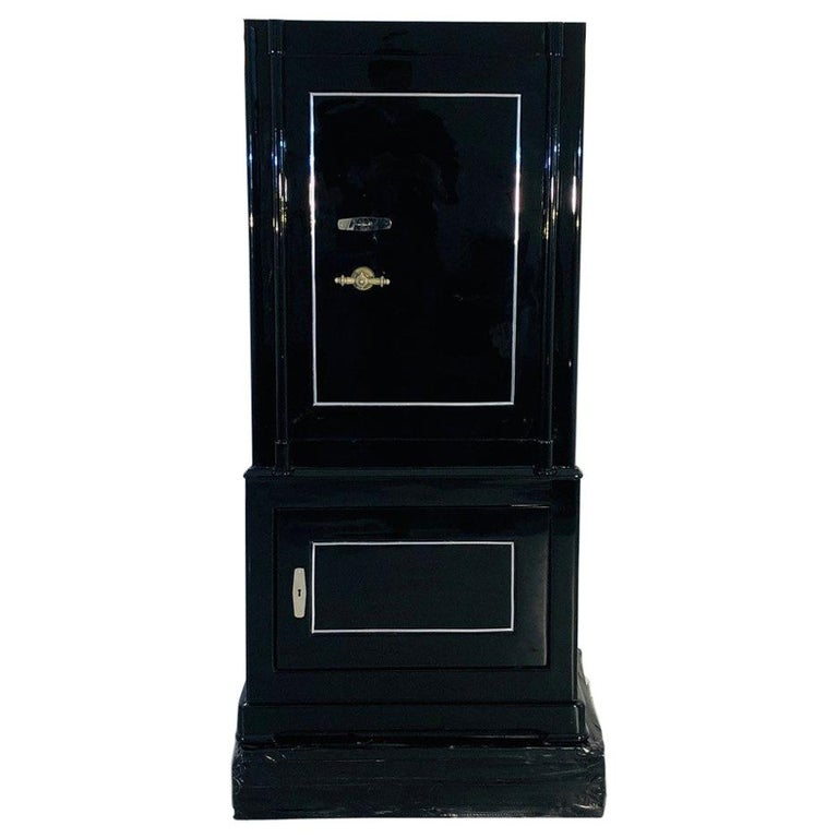 1930s Black Lacquer Safe or Vault, C.A. Streuli, Switzerland 1