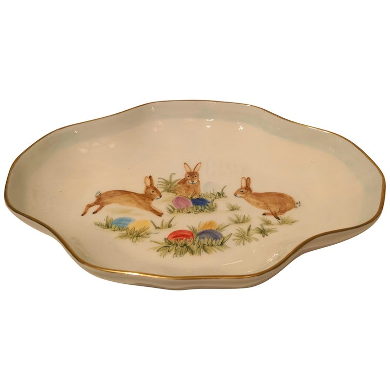 Country Style Easter Decor Porcelain Pastry Dish Sofina Boutique Kitzbuehel For Sale