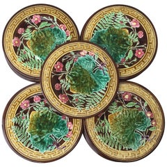 19th Century Majolica Leaves and Pink Flowers Plate Choisy le Roi