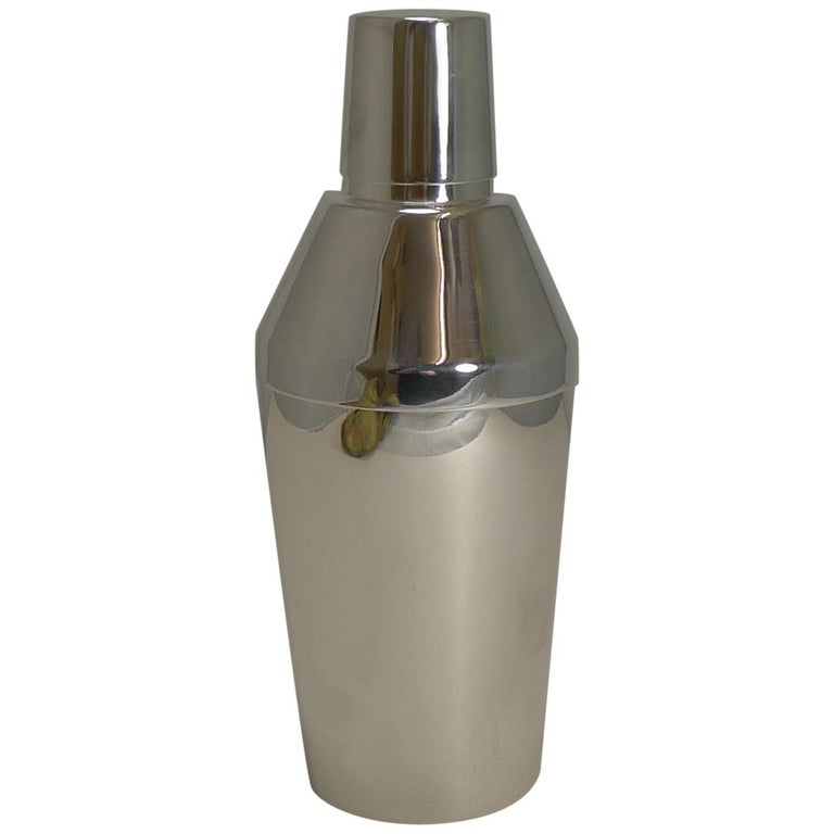 Art Deco Silver Plated Cocktail Shaker by Elkington & Co., circa 1930 For Sale