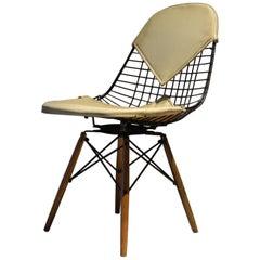 Herman Miller Eames Dowel Leg Chair
