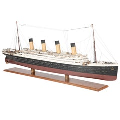 "Detailed Model of the White Star Liner RMS ""Titanic"""