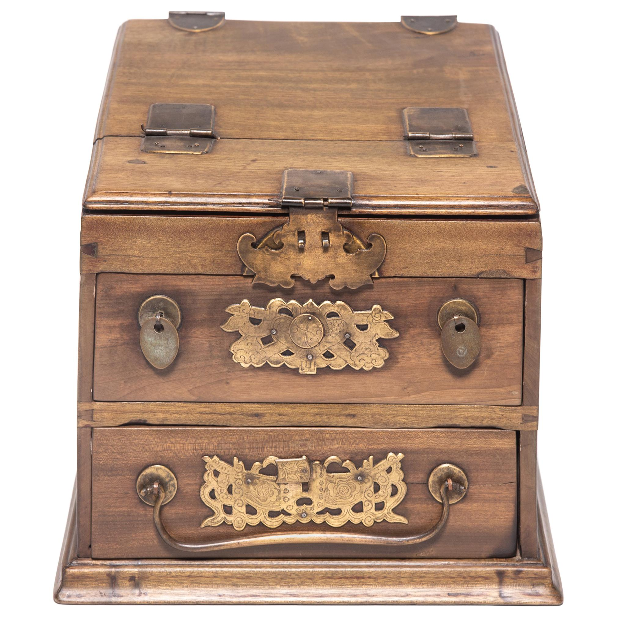 Early 20th Century Chinese Double Bat Jewelry Chest