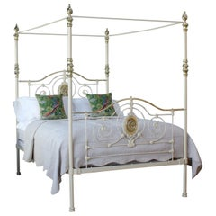 Antique Four-Poster Bed in Cream, M4P27