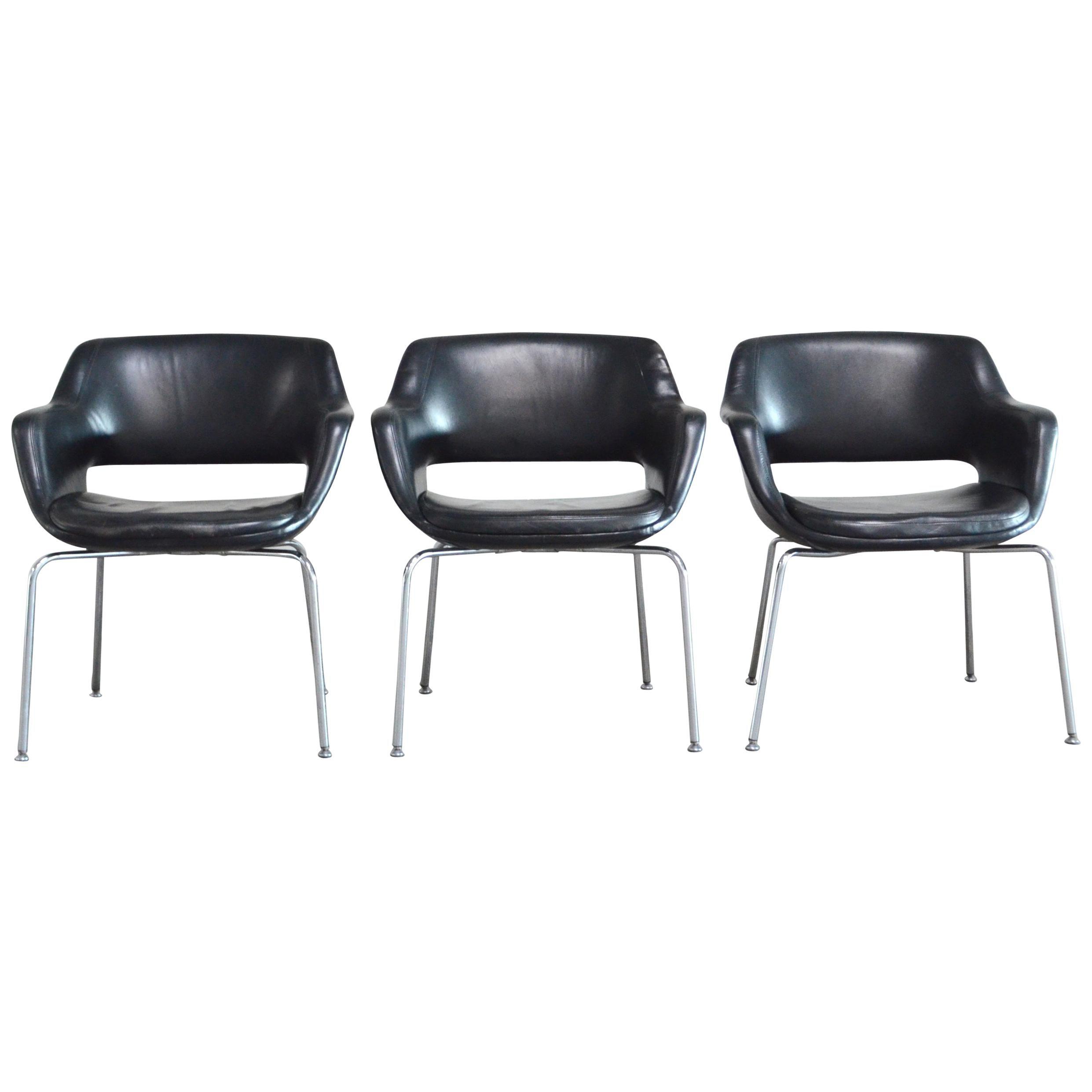 Olli Mannermaa  3 Leather Kilta Chair by Eugen Schmidt & Cassina Martela