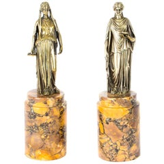Antique Italian Pair of Grand Tour Bronze Figures of Roman Maidens, 19th Century