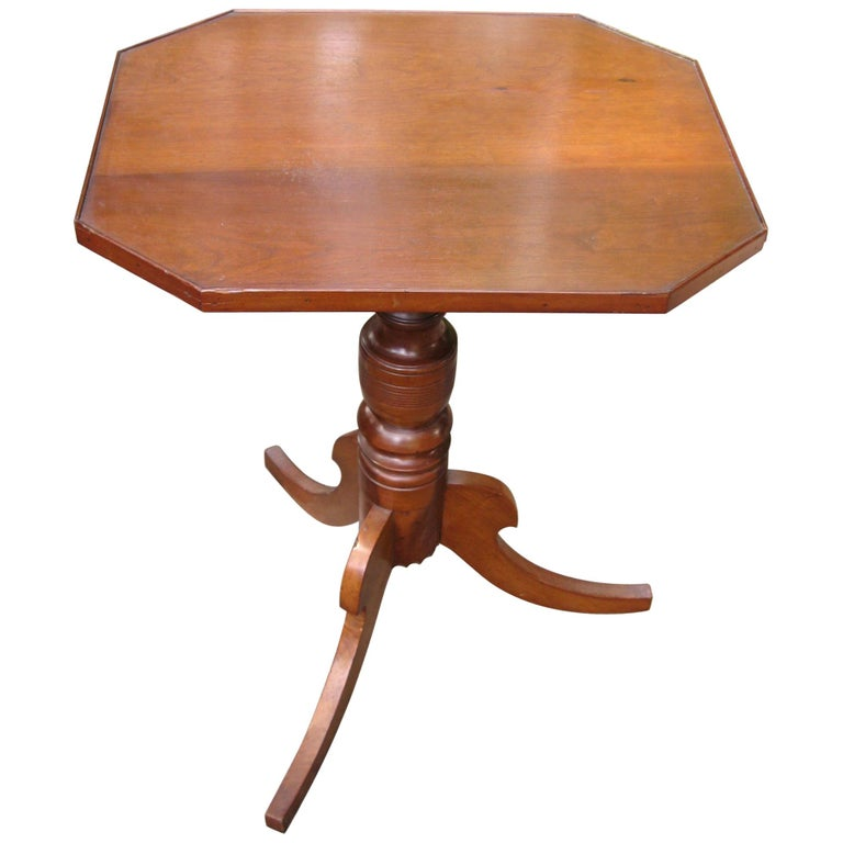 Federal 1820s Cherry Tilt-Top Table Candle Stand For Sale