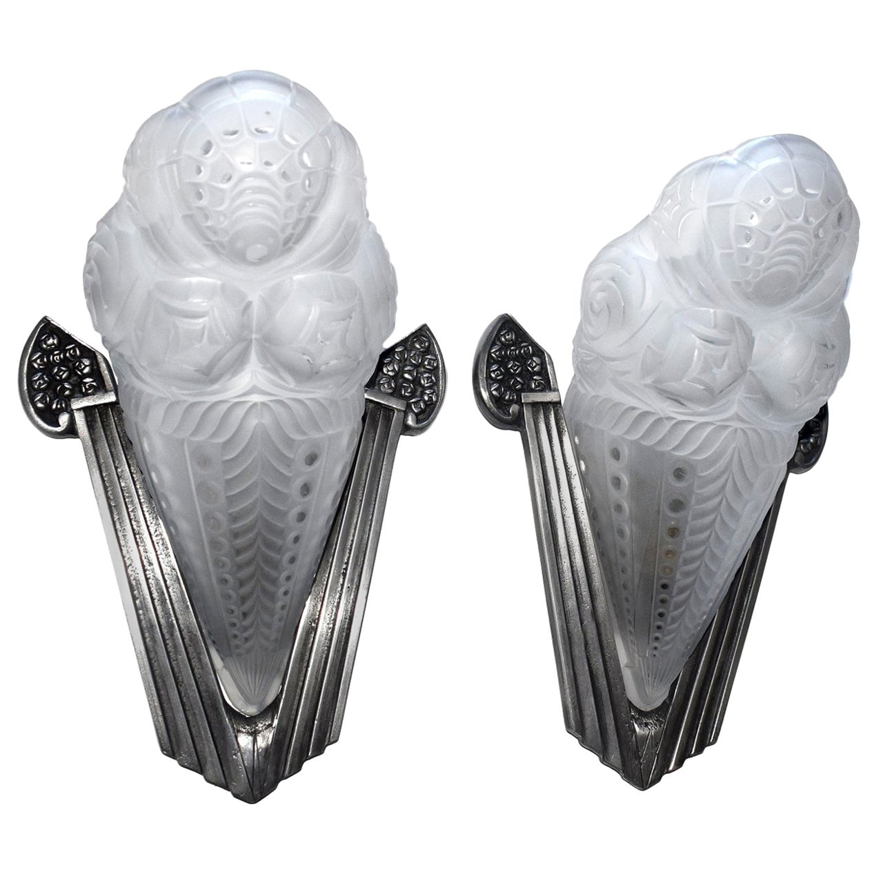 French Art Deco Pair of Wall Light Sconces