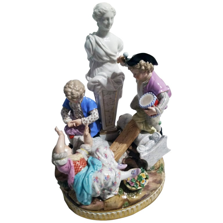 Meissen Figurines Cherubs with Swing Model G 32 by Acier Made circa 1920 For Sale