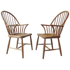 Frits Henningsen CH-18A Danish Modern Windsor Oak Dining Chairs, 1940s, Set of 2