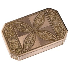 Antique 19th Century Austrian 18-Karat Two-Color Gold Snuff Box, circa 1820