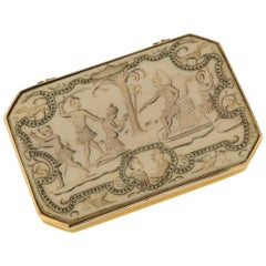 Antique 18th Century English 18-Karat Gold Mounted Snuff Box, circa 1720