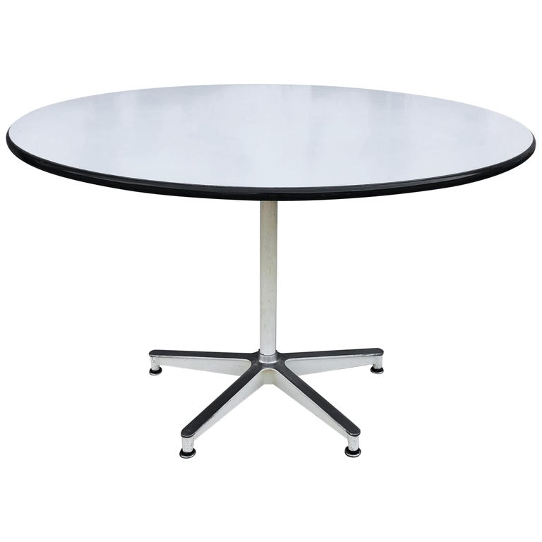 Spectacular Herman Miller Eames Dining Table with Rare Early Base For Sale