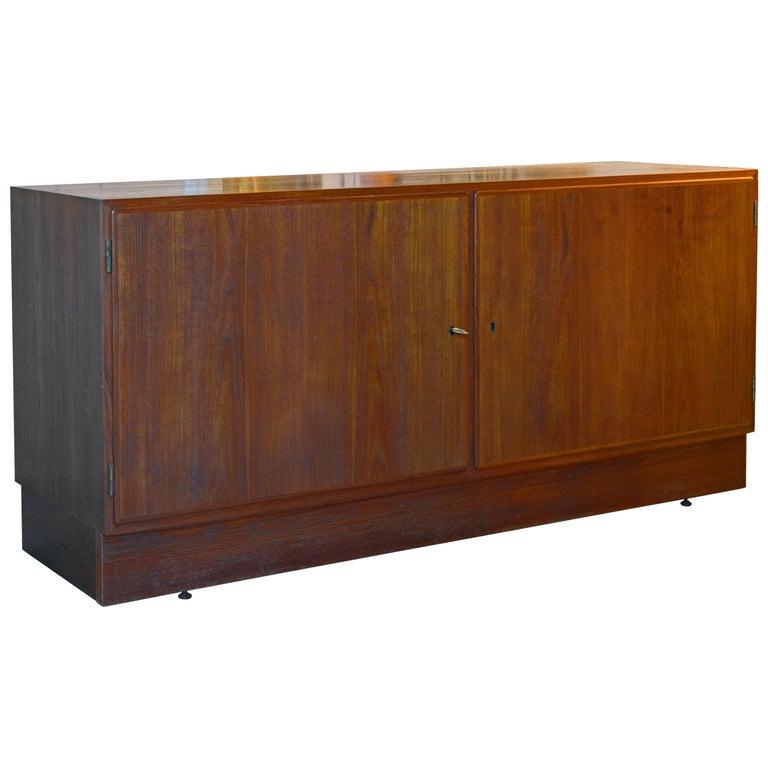 Midcentury Danish Teak Sideboard or Credenza by Carlo Jensen for Poul Hundevad For Sale