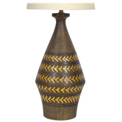 Substantial Aldo Londi Earthen Table Lamp with Arrowhead Design, circa 1960