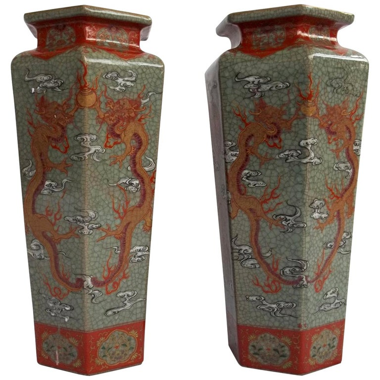 Large Pair of Chinese Vases porcelain hand painted dragons, Qing circa 1900 For Sale