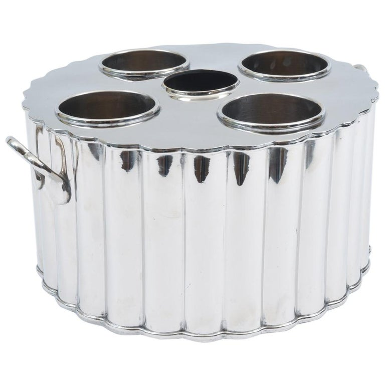 Silver Plate Barware / Tableware Four Bottles Holder with Handles For Sale