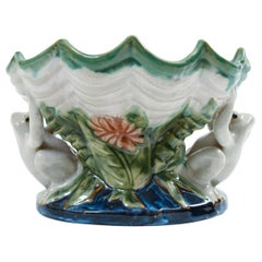 Glazed Porcelain Shell Form Design Decorative Piece with Frogs
