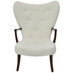 Fritz Hansen Wing Chair in Alpaca