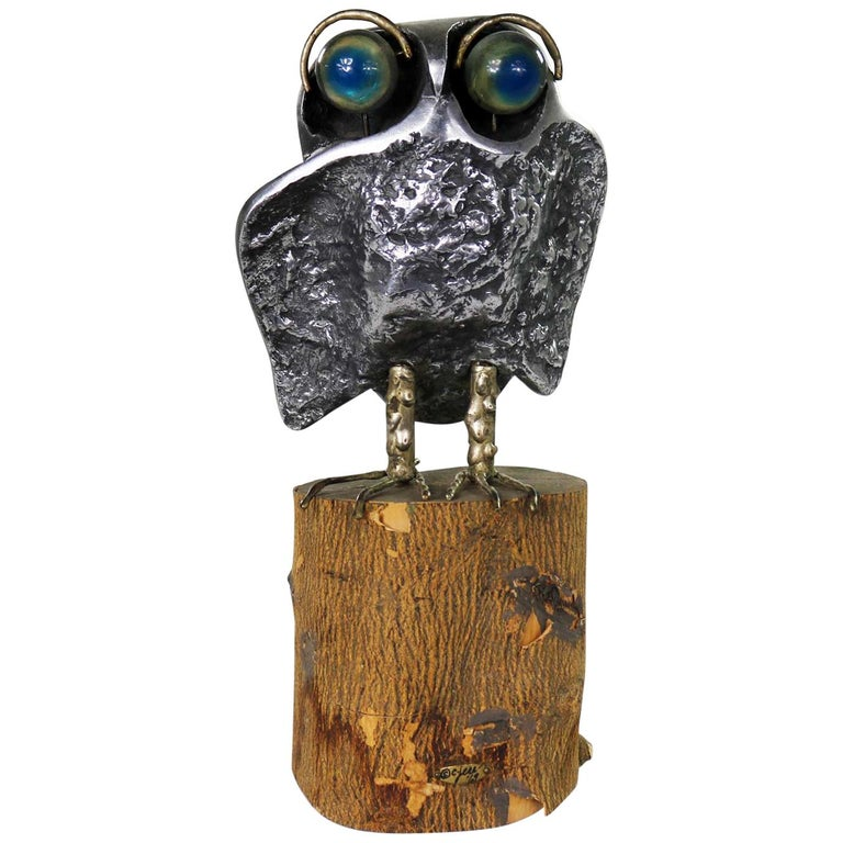 Mid-Century Modern Owl Sculpture by Curtis Jere in Cast Aluminum on Wood Stump For Sale