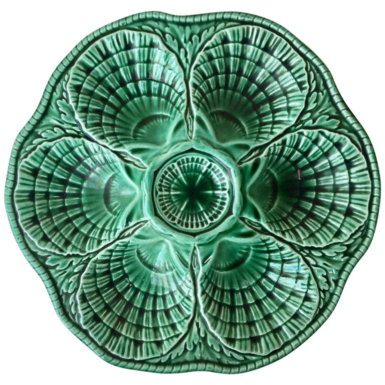 Green Majolica Oyster Plate Sarreguemines, circa 1930 For Sale