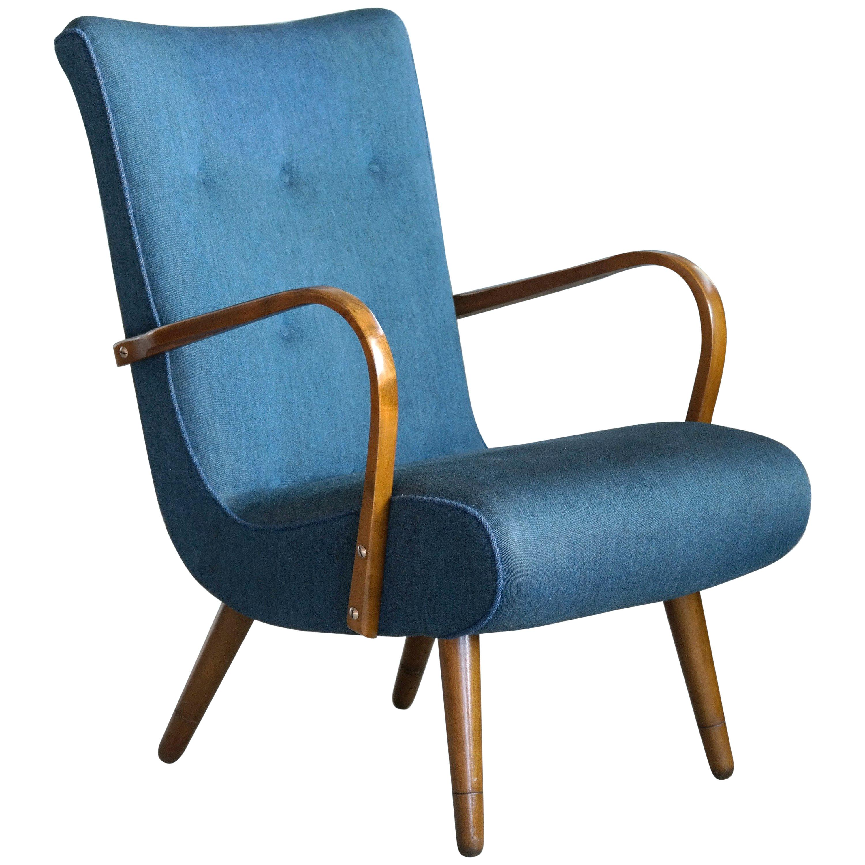 Danish Sculptural Lounge Chair with Curved Wooden Armrests, 1950s