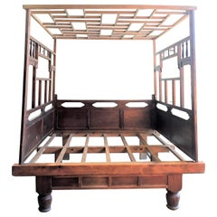 Chinese Enclosed Bed, Late 19th Century