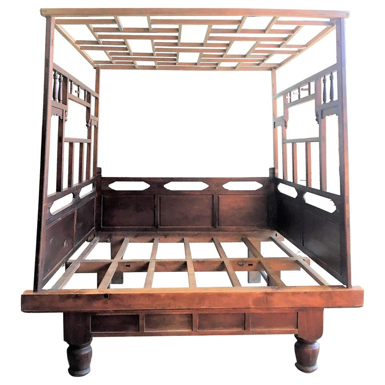 Chinese Enclosed Bed, Late 19th Century For Sale