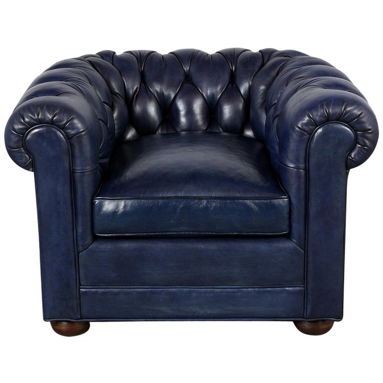 Tufted English Chesterfield Leather Club Chair For Sale