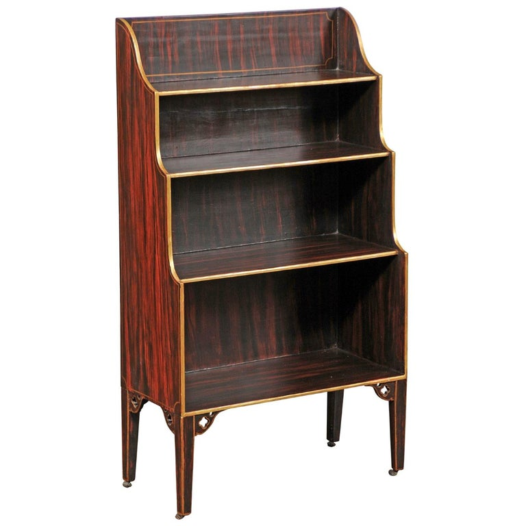 English 1850s Faux-Painted Waterfall Bookcase with Gilt Accents and Tapered Legs For Sale