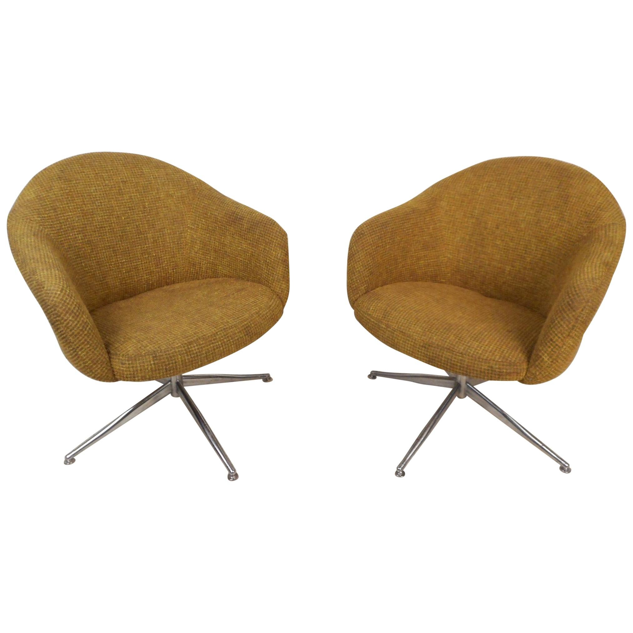 Mid Century Modern Pair Of Viko Baumritter Swivel Chairs