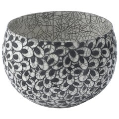Contemporary Black and White Ceramic Bowl, Coupe Printemps