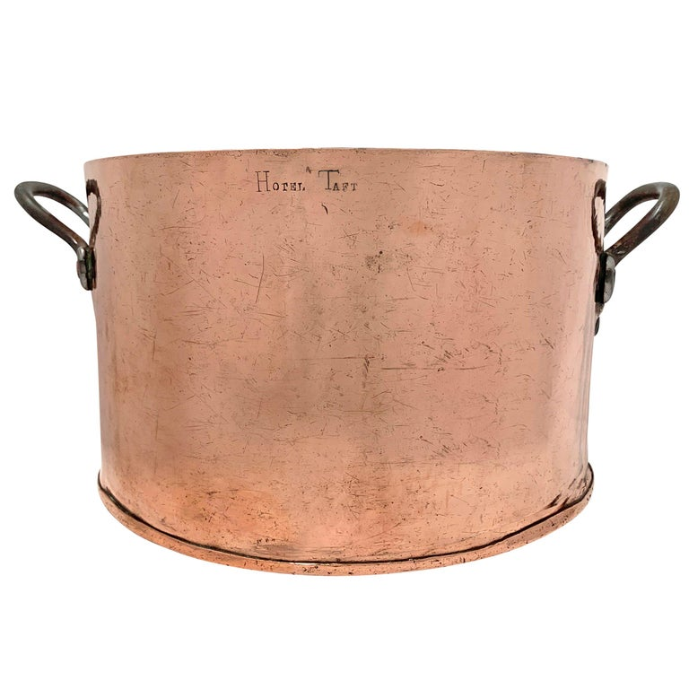 Early 20th Century Copper Pot from Hotel Taft, NYC For Sale