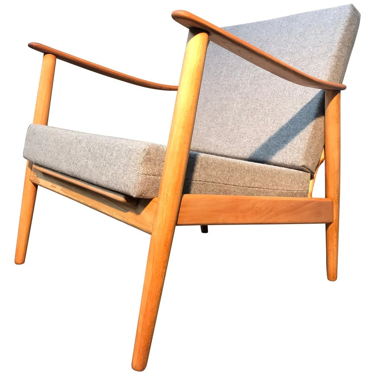 Vintage Mid-Century Modern Danish Easy Lounge Chair in Beechwood For Sale
