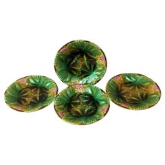 Set of Four Majolica Leaves and Berries Plates Sarreguemines, circa 1890