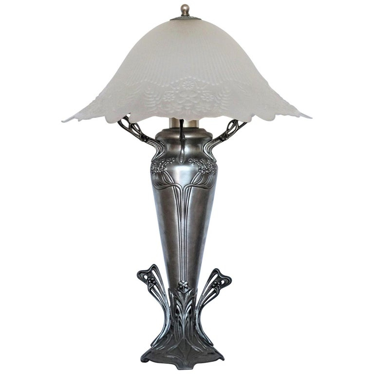 French Art Deco Vase Table Lamp, 1930s For Sale