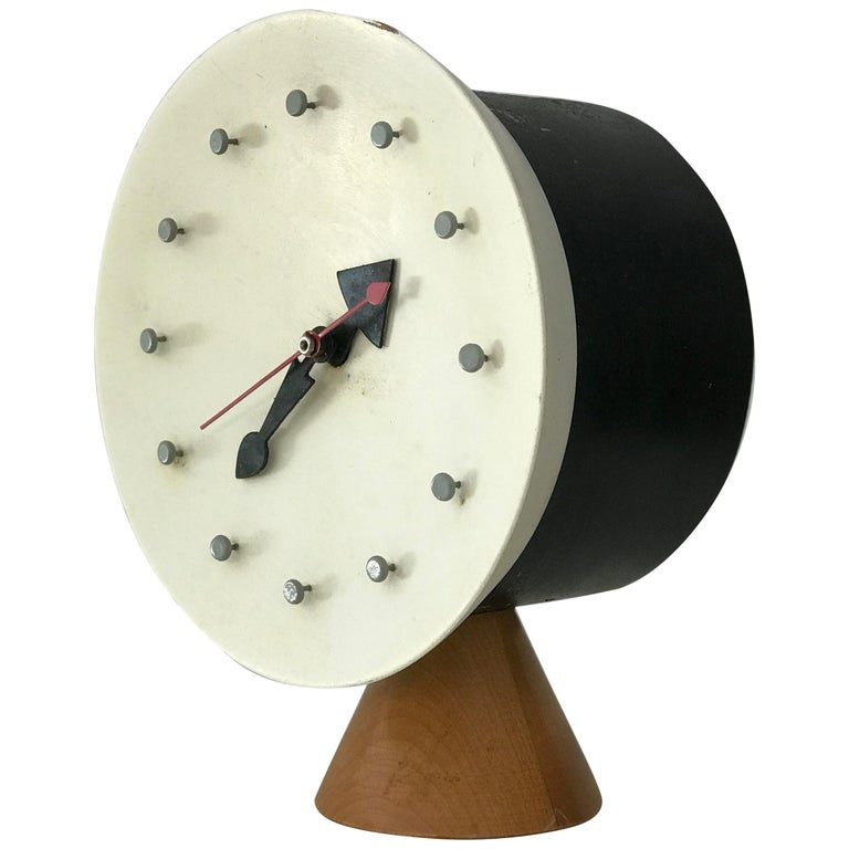 Modernist Desk Table Clock by George Nelson and Irving Harper for Howard Miller For Sale