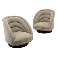 Pair of Kagan Crescent Swivel Lounge Chairs, USA, 1969
