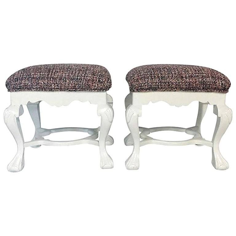 20th Century Pair of Queen Anne Style Mahogany Boucle Upholstered Benches For Sale